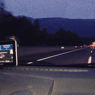 nachts im Auto