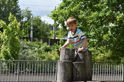 klettern am Spielplatz