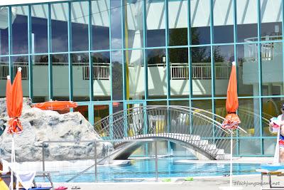 großer Pool für Schwimmer