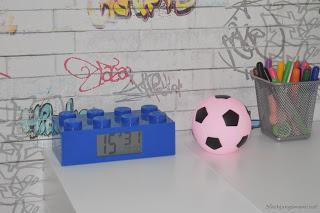 Lego Wecker im Kinderzimmer